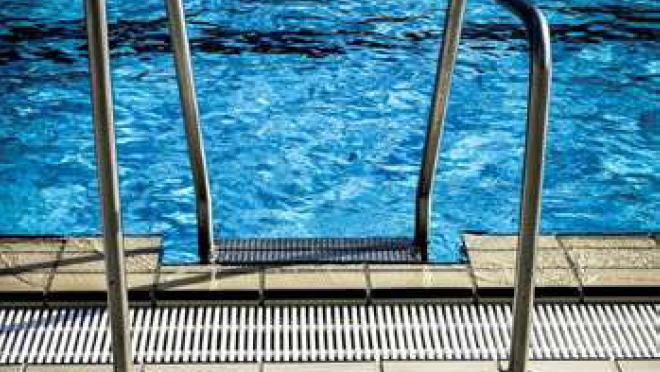 Le scalette di accesso in piscina – UNI EN 13451-2